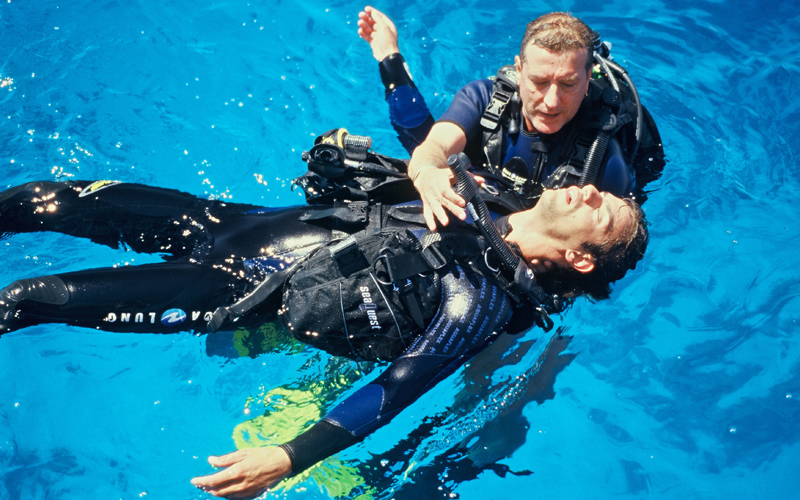 PADI Rescue Course in Cala Egos